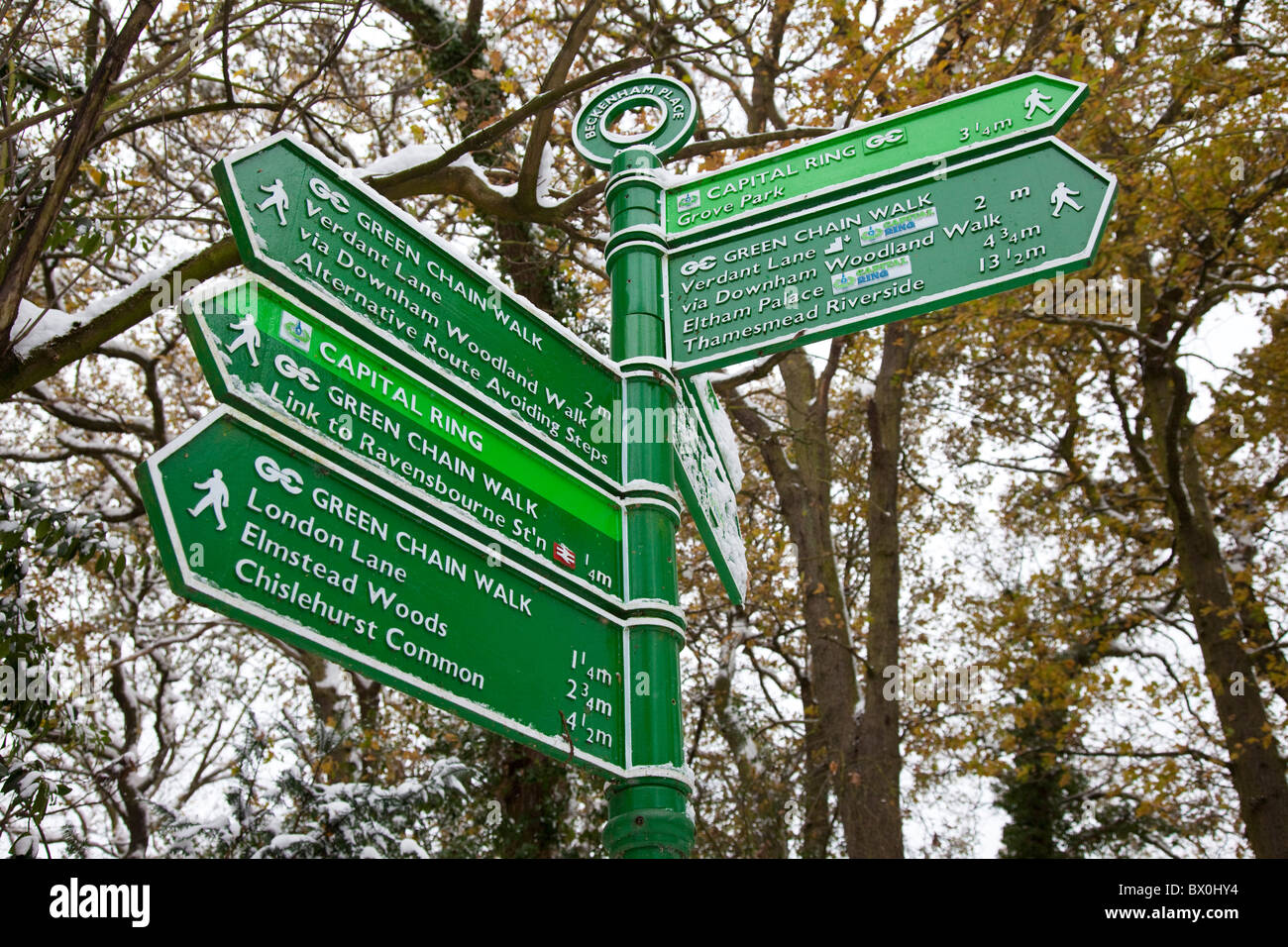 Sign footpaths including London's Green Chain Walk and Capital Ring, Beckenham, Kuent, UK, winter - Stock Image