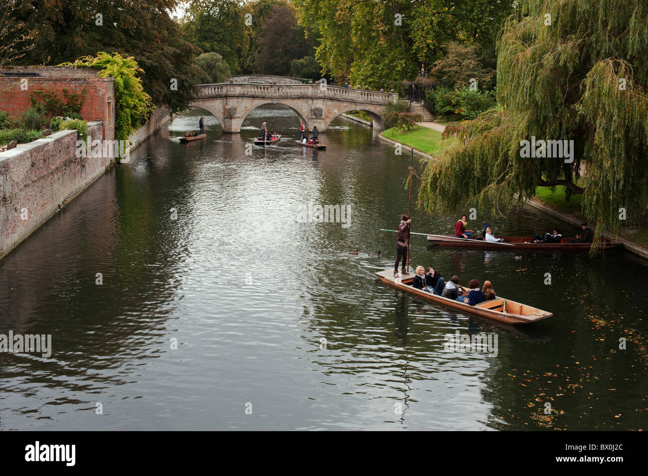 Punters on the River Cam in the centre of Cambridge. - Stock Image