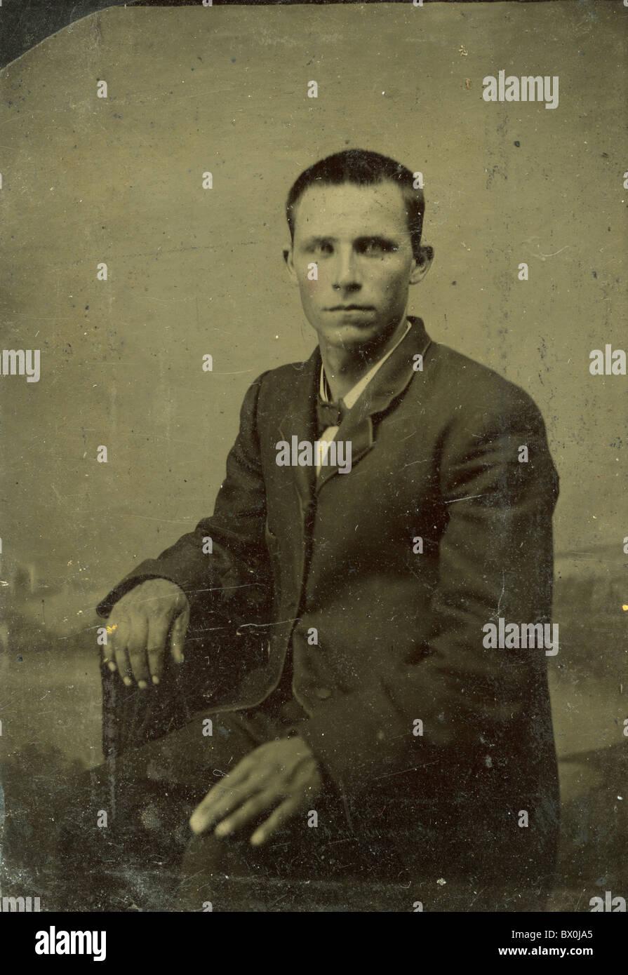 Men in 1880s Sack Jackets Antique Tintype