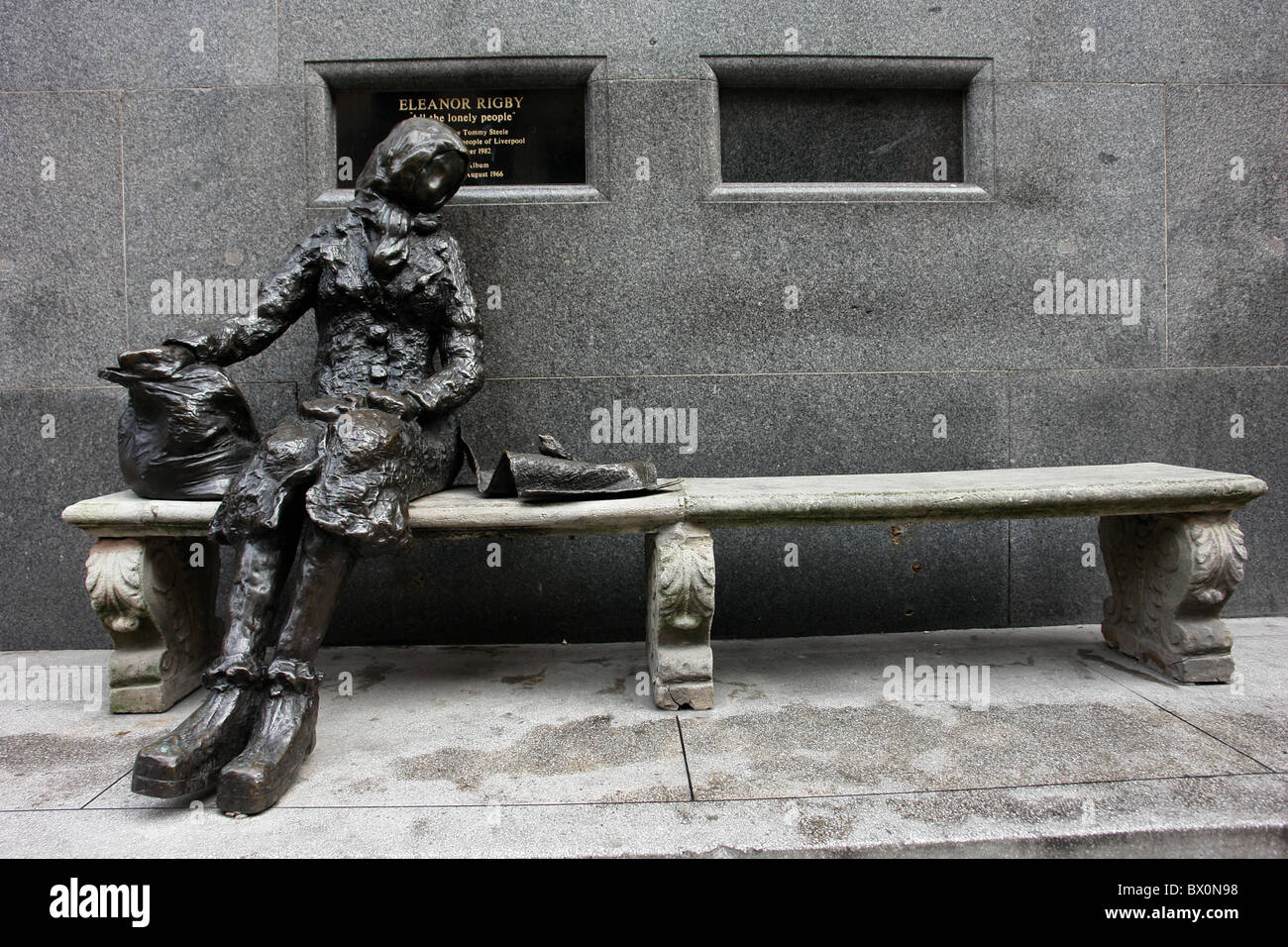 Statue Of U0027Eleanor Rigbyu0027 Sculptured By Tommy Steele And Situated In  Stanley St,