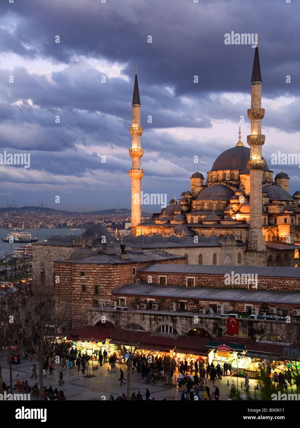 The Yeni Mosque, New Mosque or Mosque of the Valide Sultan. Istanbul, Turkey - Stock Image