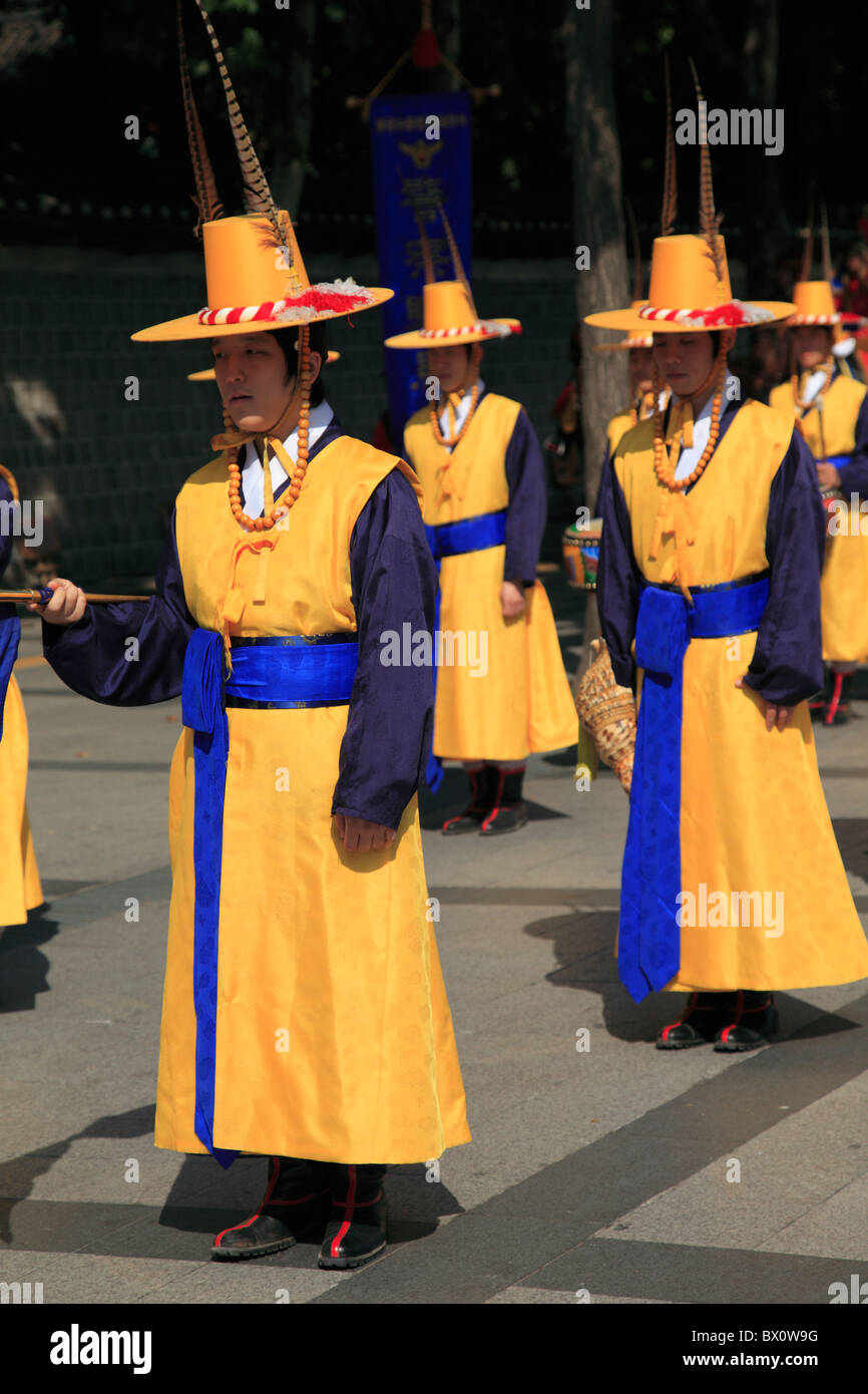 Changing of the Guards, Deoksugung Palace, Palace of Virtuous Longevity, Seoul, South Korea, Asia  Stock Photo