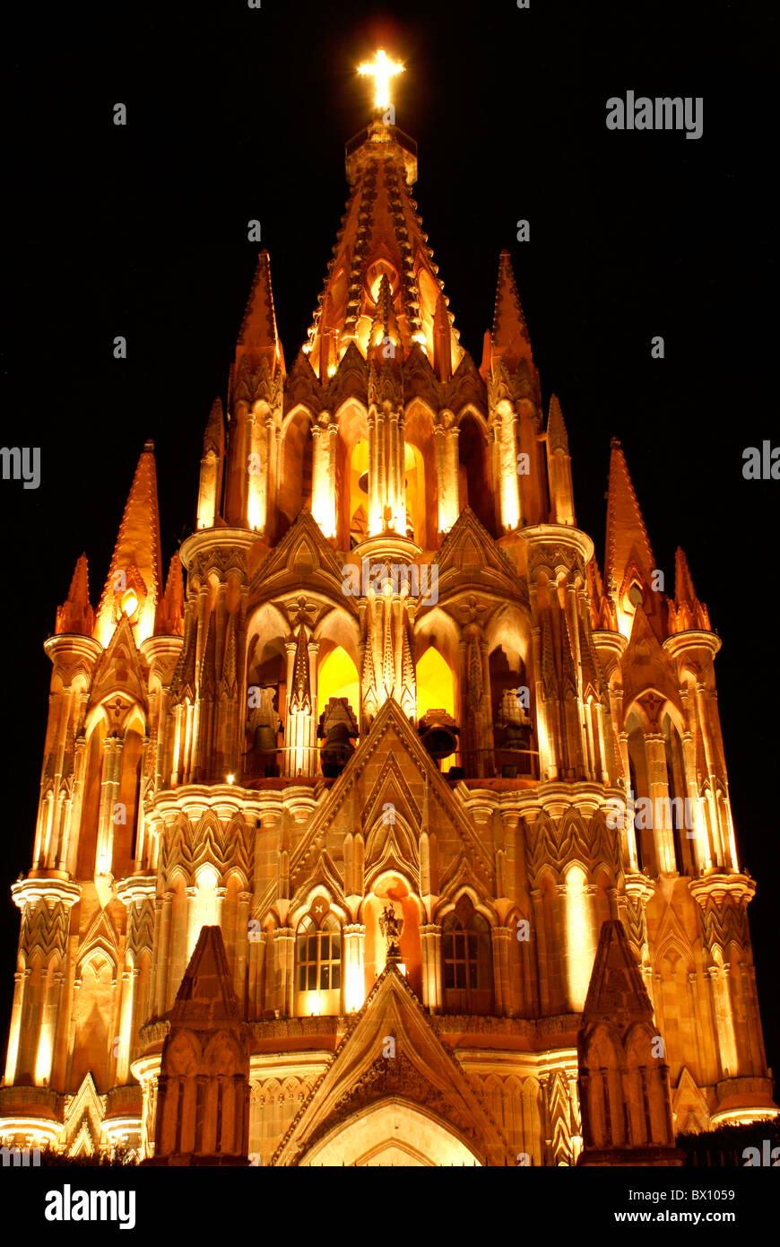 Steeple of the Parroquia de San Miguel Acangel parish church at night, San Miguel de Allende, Mexico. Stock Photo