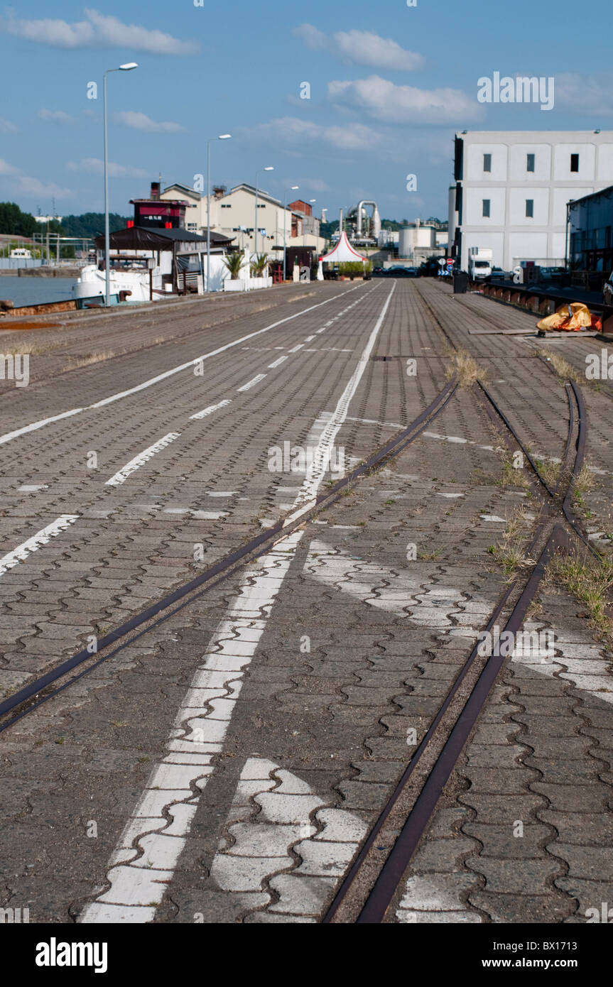 Abandoned railway tracks, Industrial zone, Bassins a flots, Bordeaux, France - Stock Image