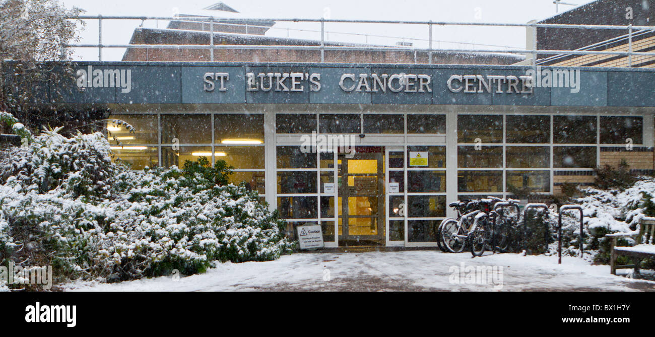 Entrance to the Radiotherapy department at the St. Luke' Cancer Centre, Royal Surrey County Hospital, Guildford - Stock Image