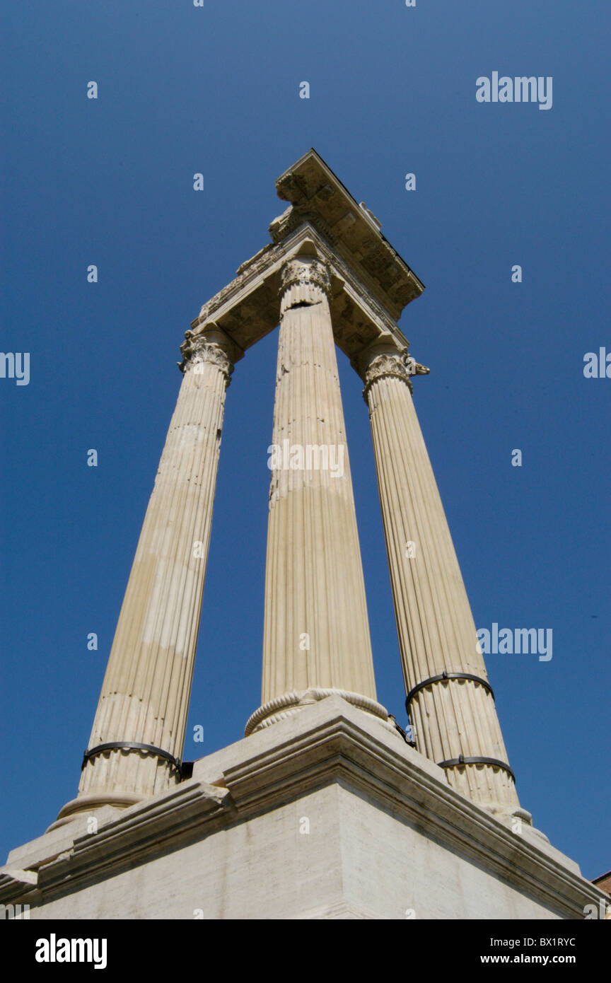 antique antiquity columns excavations Italy Europe Roman Romans Rome ruins - Stock Image