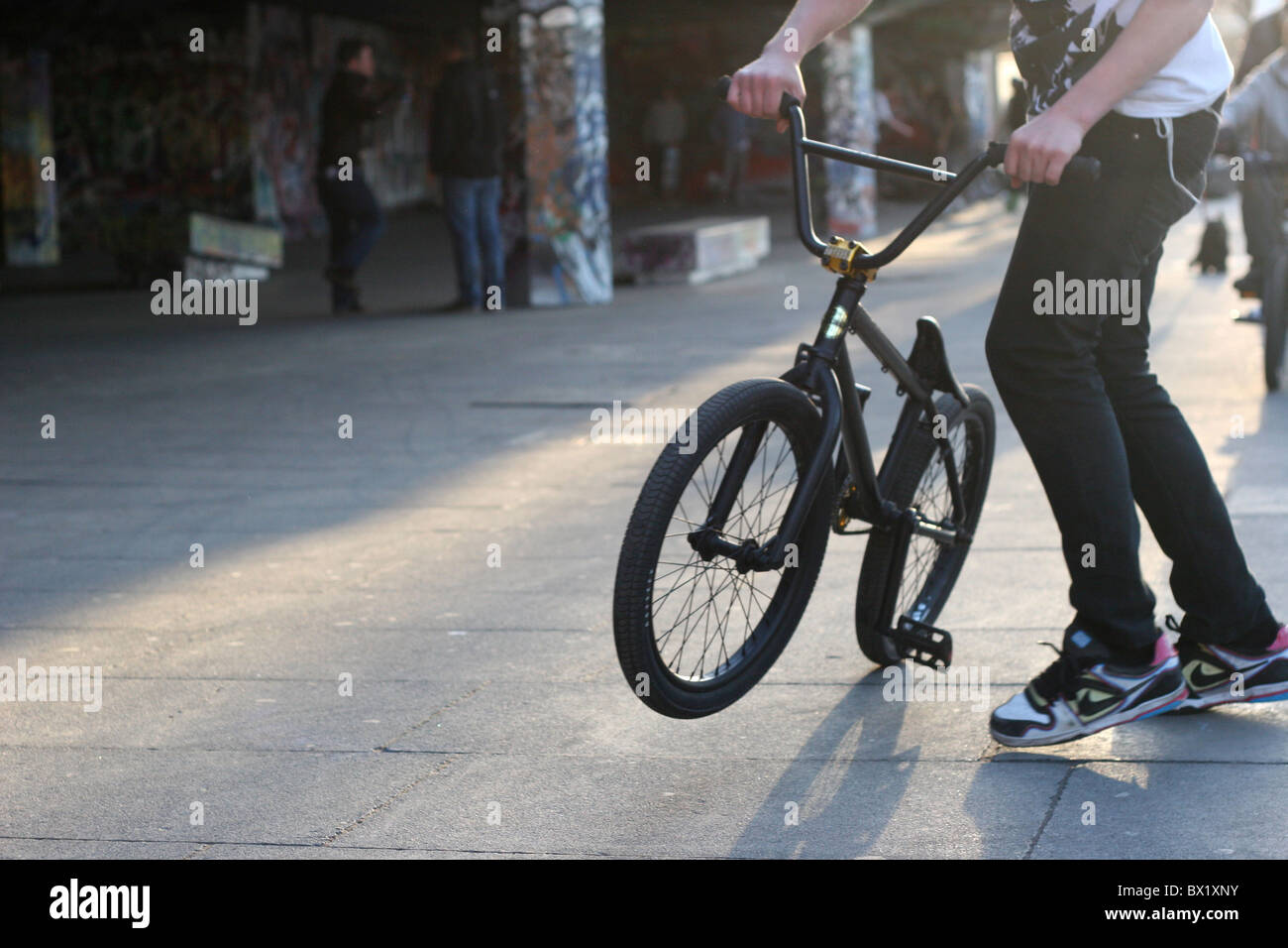 Bmx Shadow Stock Photos & Bmx Shadow Stock Images - Alamy
