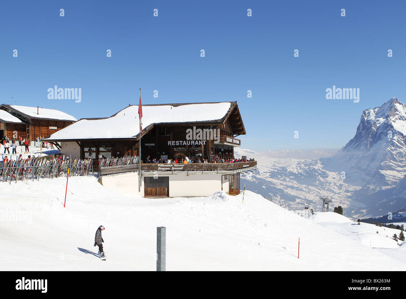 Kleine Scheidegg, Switzerland. Restaurants and chalet buildings - Stock Image