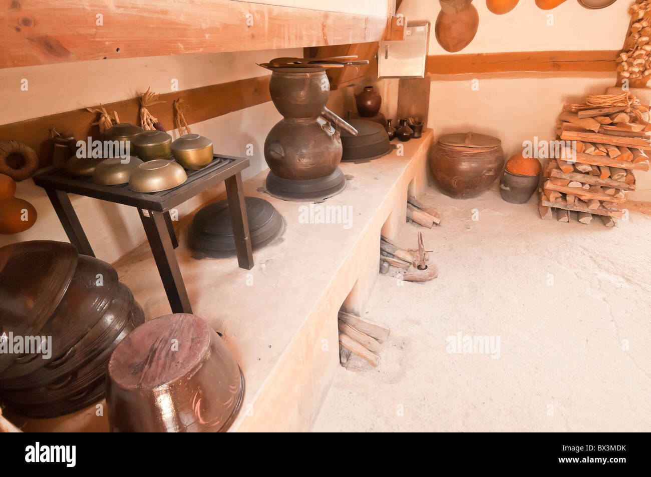 Traditional kitchen, in Sunjeong Hyo Empress Yun's parents home, Namsangol folk village, Seoul, South Korea Stock Photo