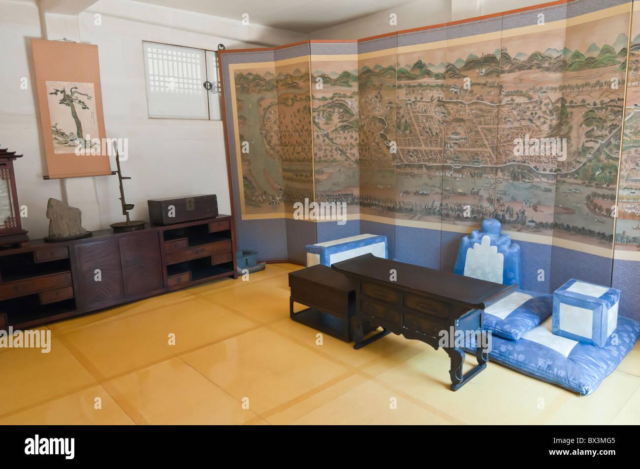 Room inside Sunjeong Hyo Empress Yun's parents home, Namsangol folk village, Seoul, South Korea Stock Photo