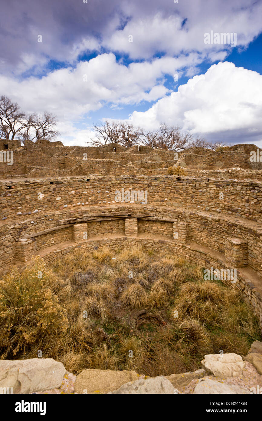 Native American Ceremonial Kiva, circular pit chamber used for ceremonies, at the Aztec Ruins National Monument - Stock Image