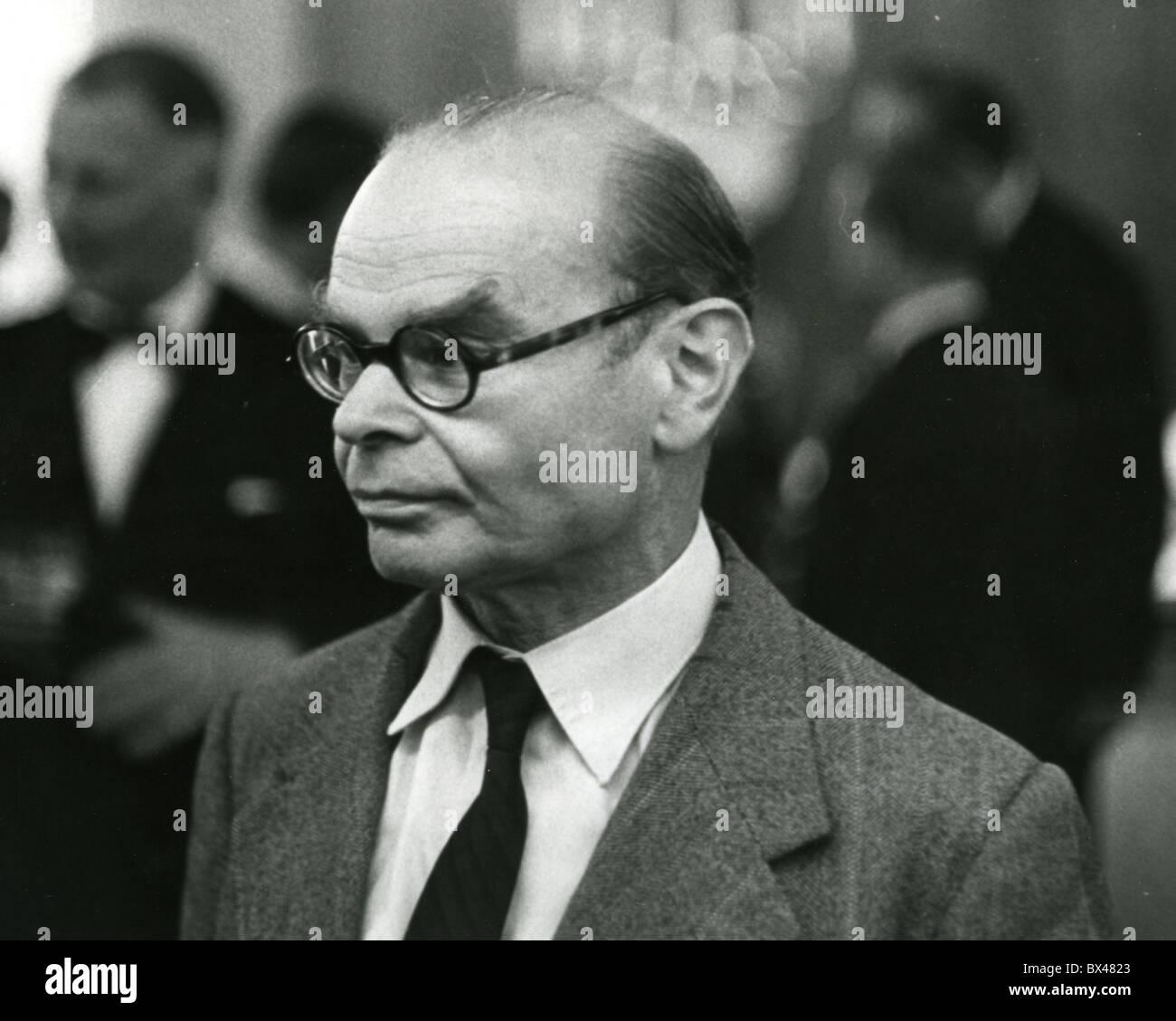 SIR JOHN ROTHENSTEIN (1901-1992) English art historian - Stock Image
