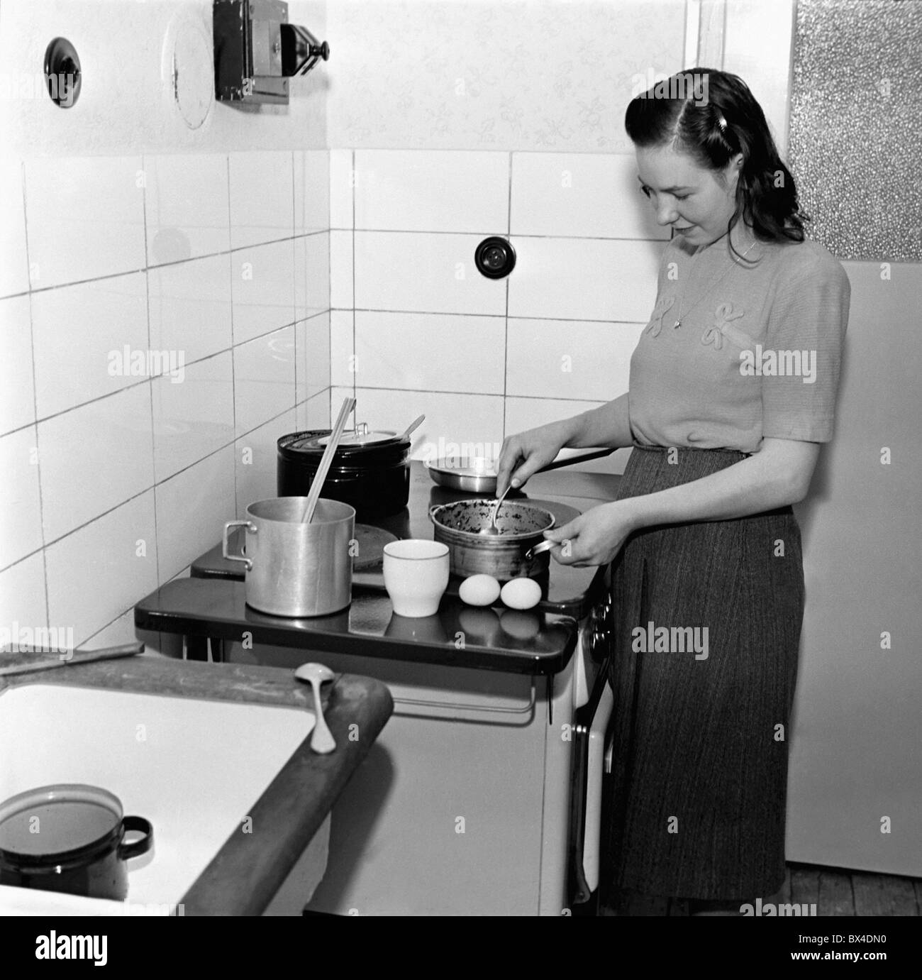 Vintage Woman Cooking Stock Photos & Vintage Woman Cooking ...
