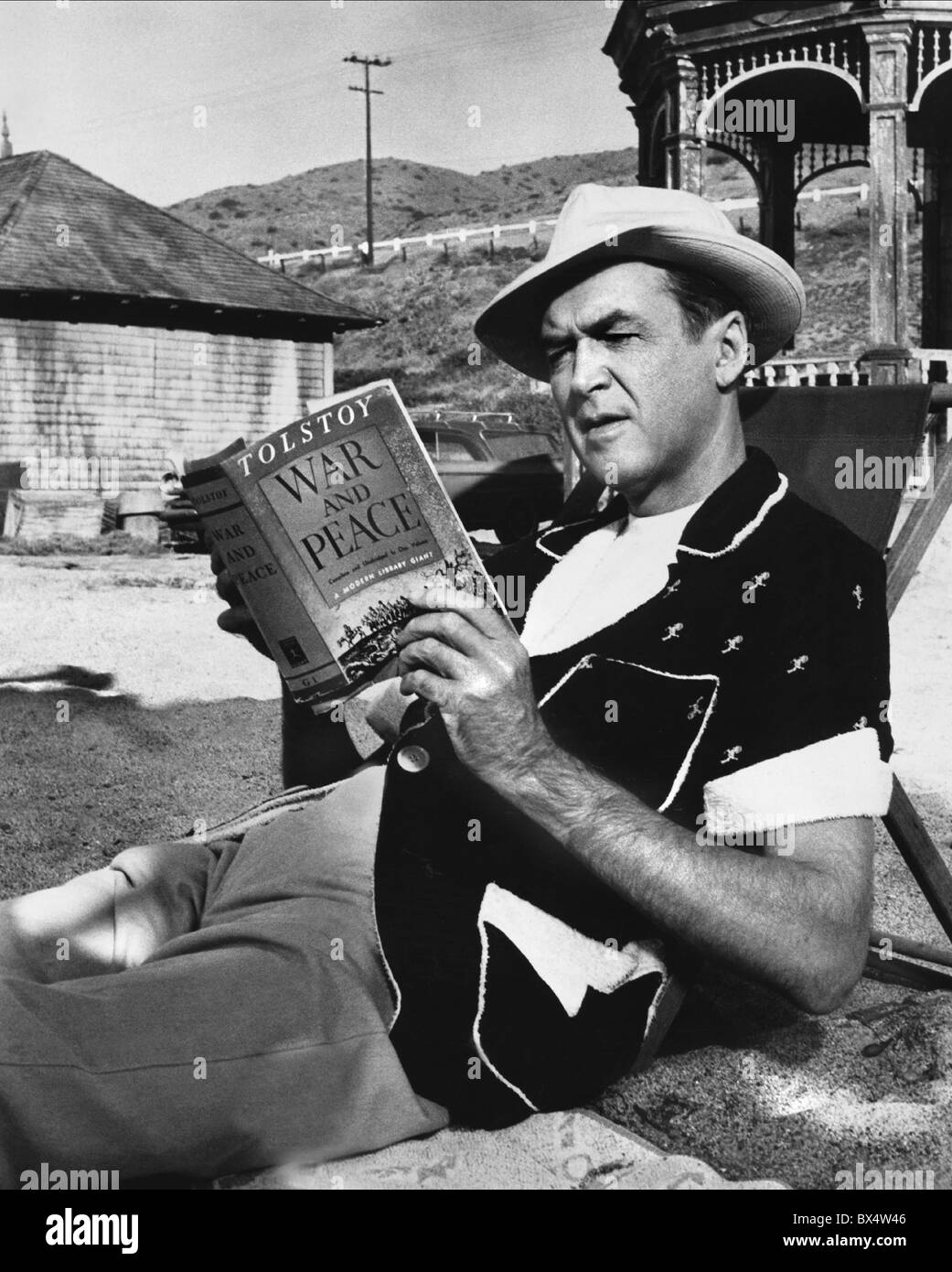 JAMES STEWART MR HOBBS TAKES A VACATION (1962) - Stock Image