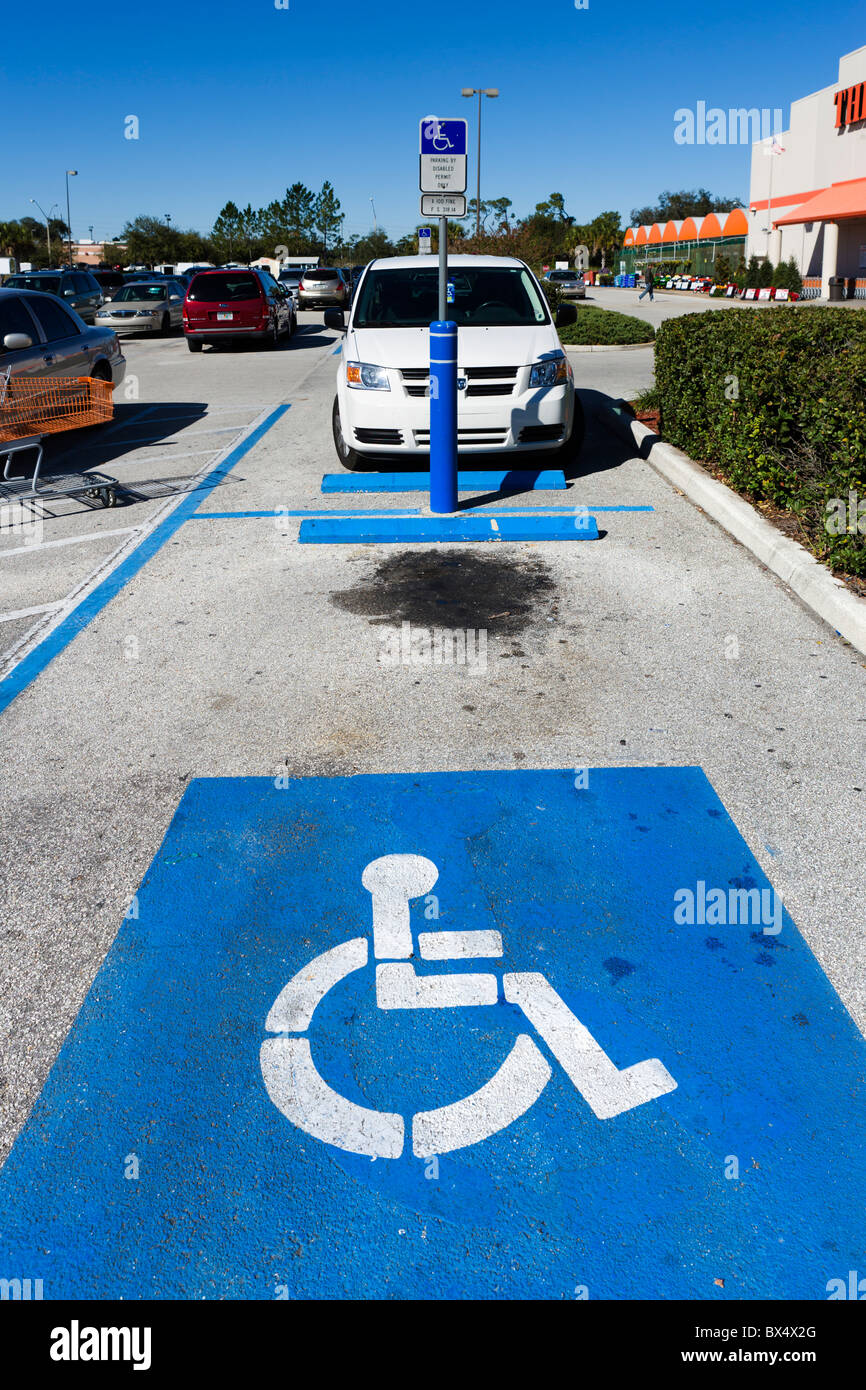 A disabled parking space outside a Home Depot, Lake Wales, Central Florida, USA - Stock Image