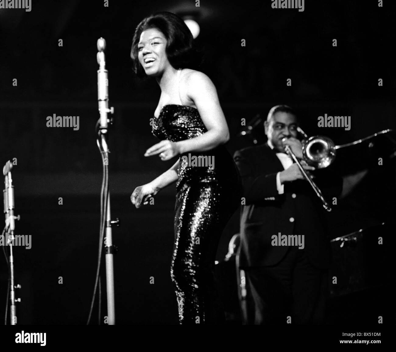 American jazz singer Jewel Brown performs at Lucerna Hall in in Prague, Czechoslovakia, 1965. (CTK Photo / Jovan - Stock Image