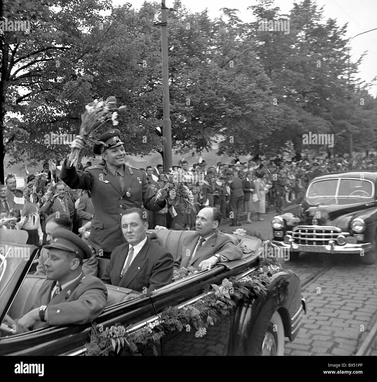 cosmonaut Yuri Gagarin, car, flowers, motorcade - Stock Image