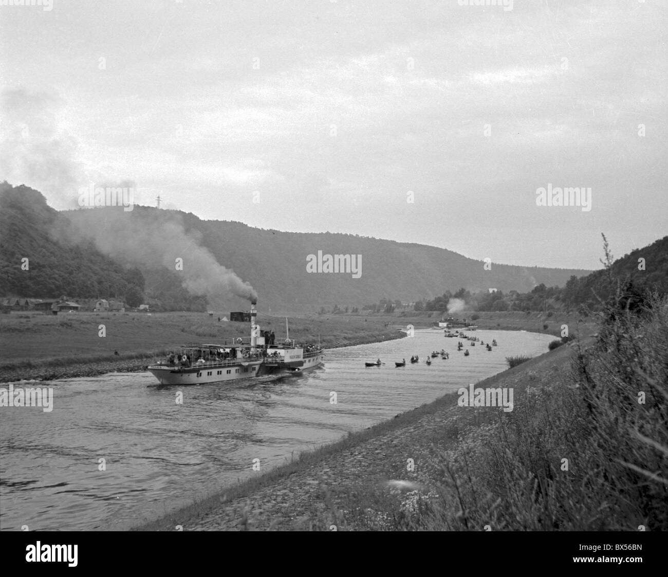Steamship and canoes on the Vltava river. CTK Photo/Jan Tachezy - Stock Image