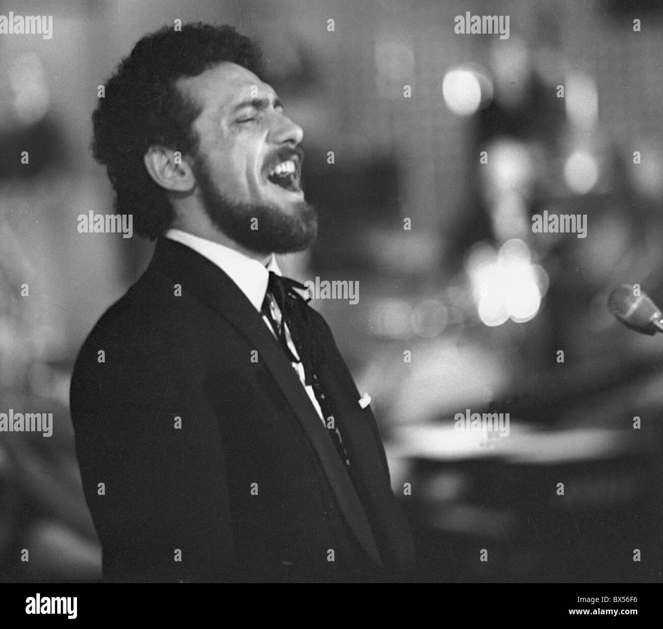 Popular singer Waldemar Matuska. Prague, Czechoslovakia 1965. CTK Photo / Zdenek Havelka) - Stock Image