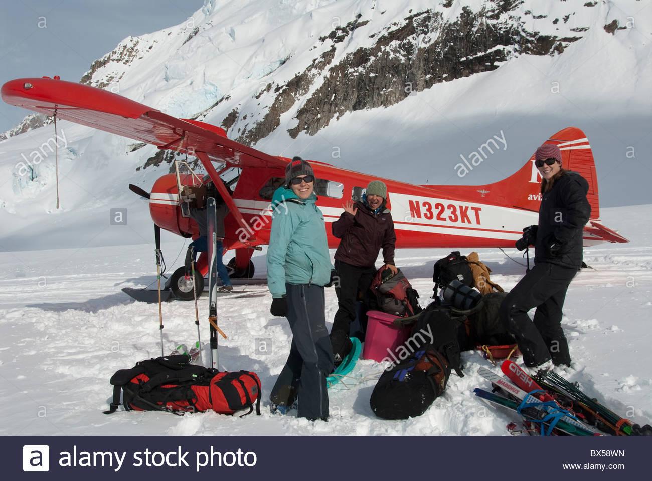 Denali National Park, Alaska. Ruth Ampitheater. K2 Aviation plane departing from the Don Sheldon Hut landing strip - Stock Image