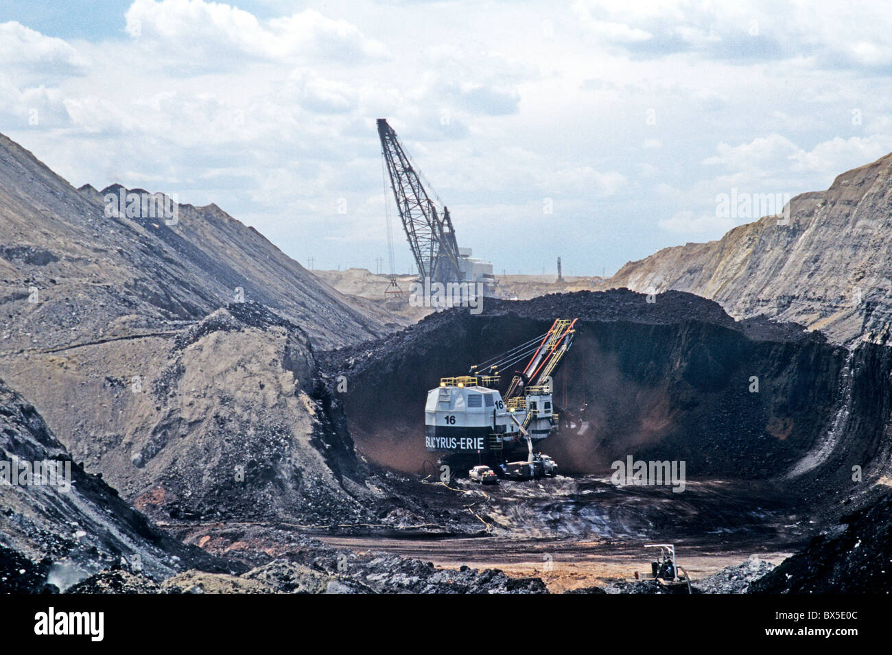 Coal Surface Mine, Bucyrus Electric shovel excavating from coal seam, - Stock Image