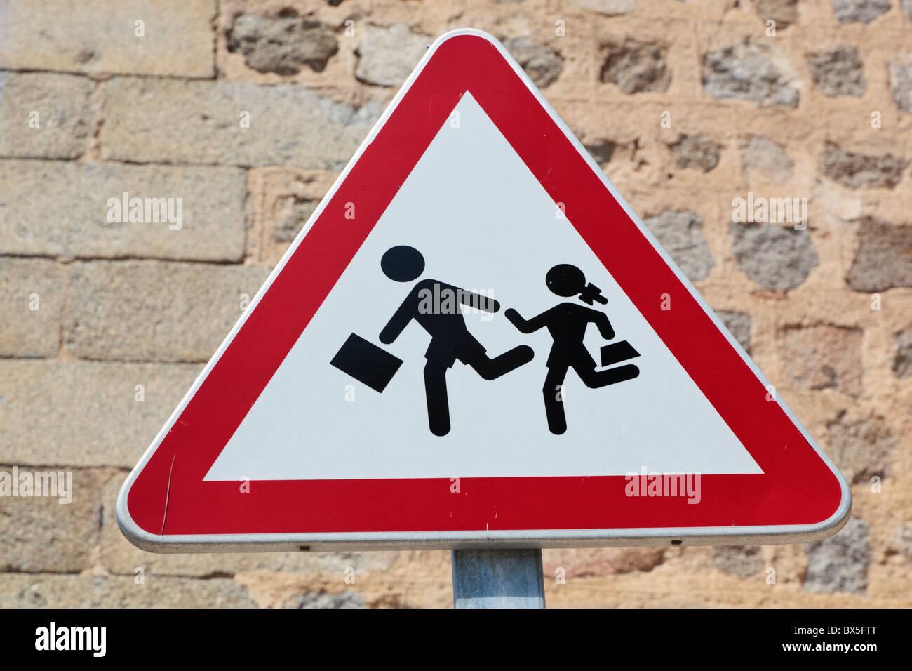 School crossing sign in Avila, Spain - Stock Image
