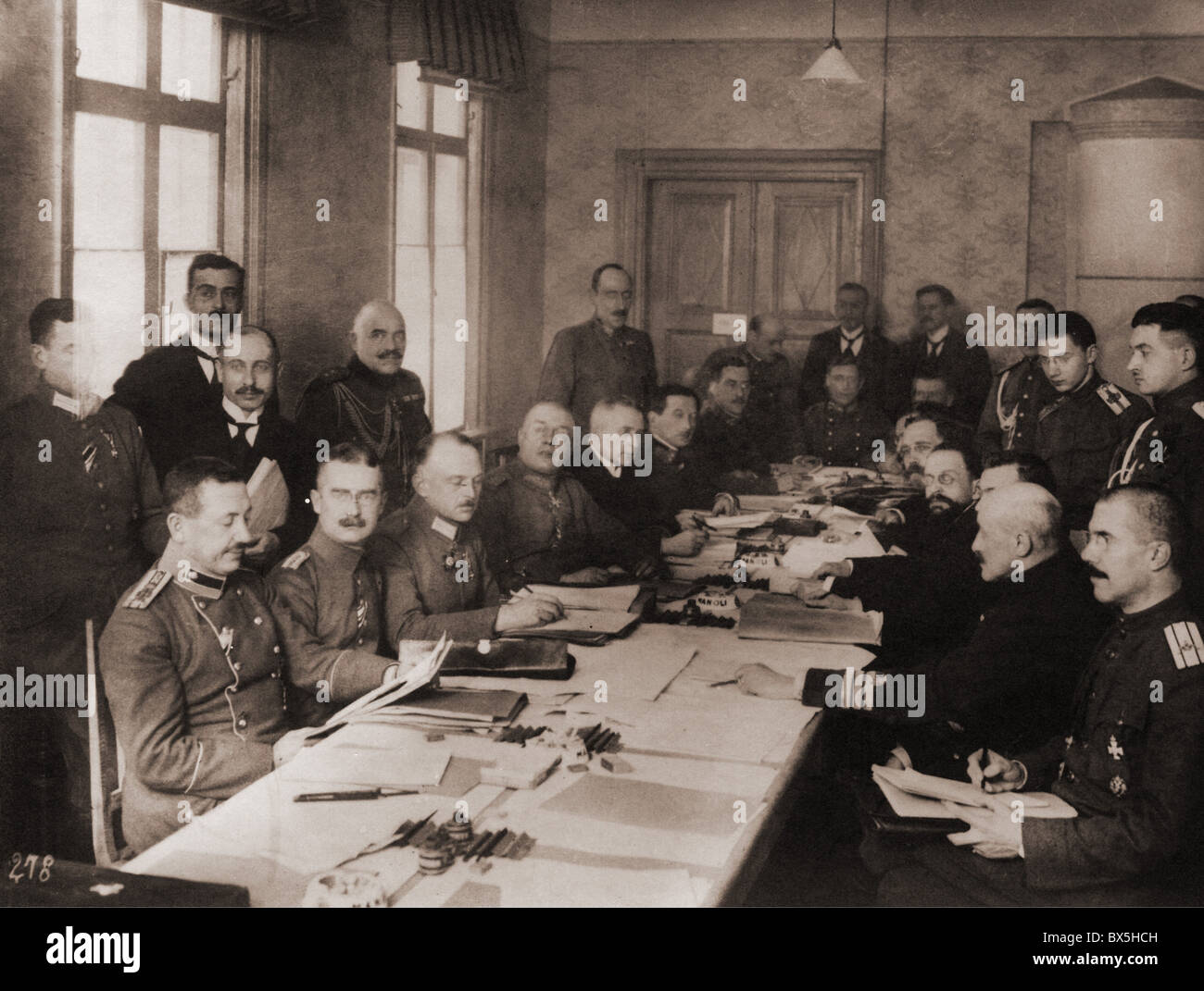 events, First World War / WWI, Treaty of Brest-Litovsk, 3.3.1918, German and Russian delegation during the preliminary - Stock Image