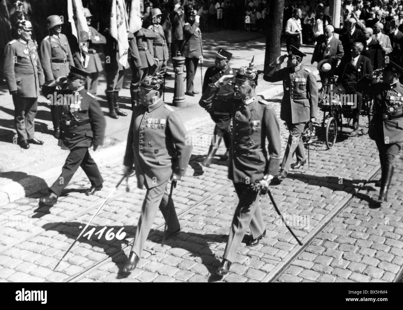 Nazism / National Socialism, parades, German World War One veterans during a parade, 1930s, Additional-Rights-Clearences - Stock Image