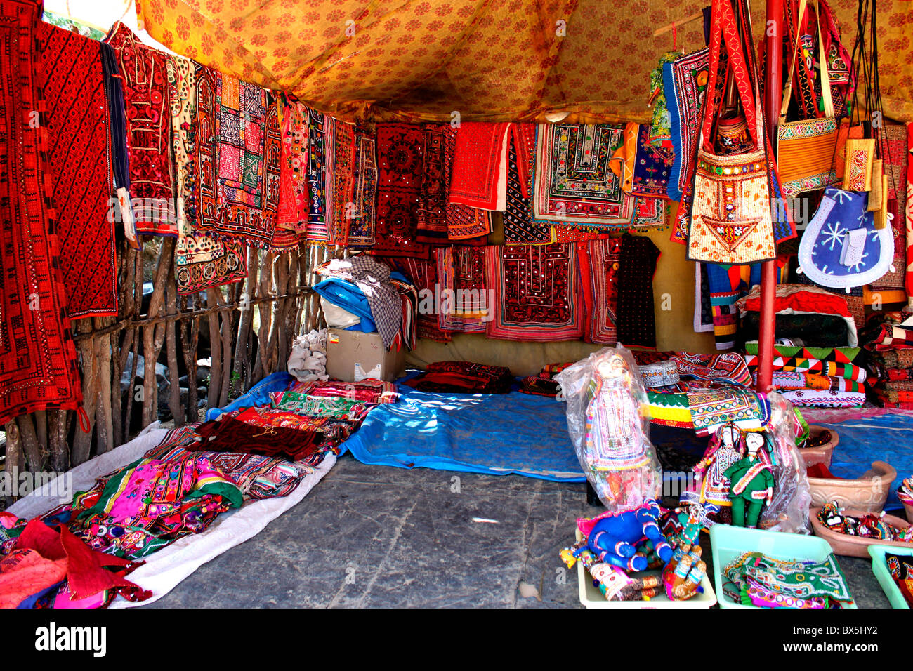 Handicraft shop in Kutch, Gujarat, india - Stock Image