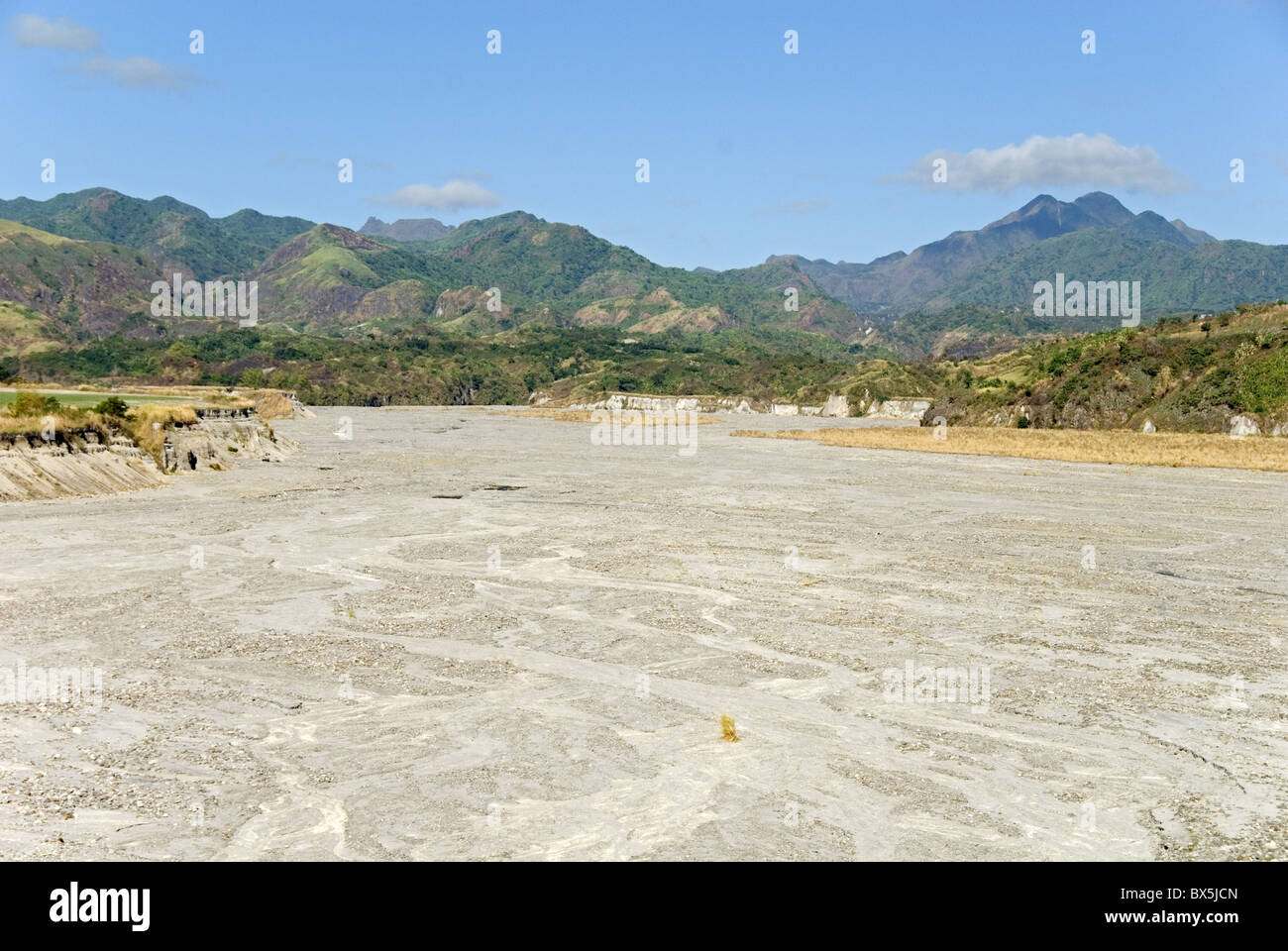 River channel floored with pumice lahar deposits, Pinatubo volcano, northern Luzon, Philippines, Southeast Asia, - Stock Image