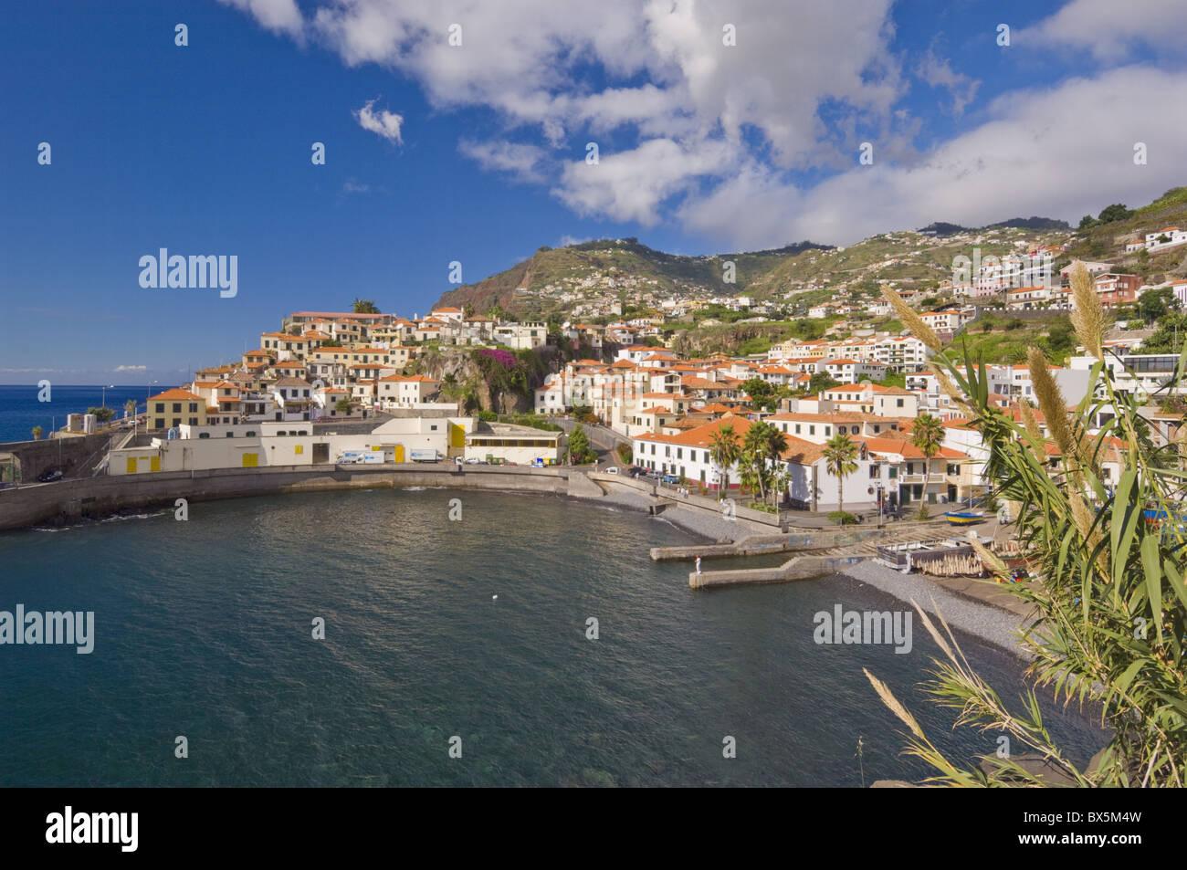 The small south coast harbour of Camara de Lobos, Madeira, Portugal, Atlantic, Europe - Stock Image