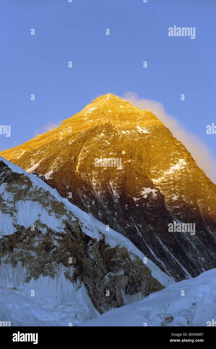 Sunset on Mount Everest, 8850m, Solu Khumbu Everest Region, Sagarmatha National Park, Himalayas, Nepal, Asia - Stock Image