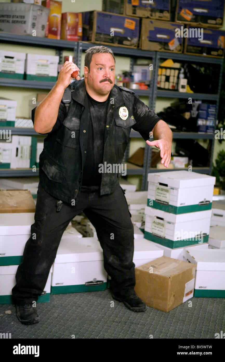 Kevin James Paul Blart Mall Cop 2009 Stock Photo Alamy