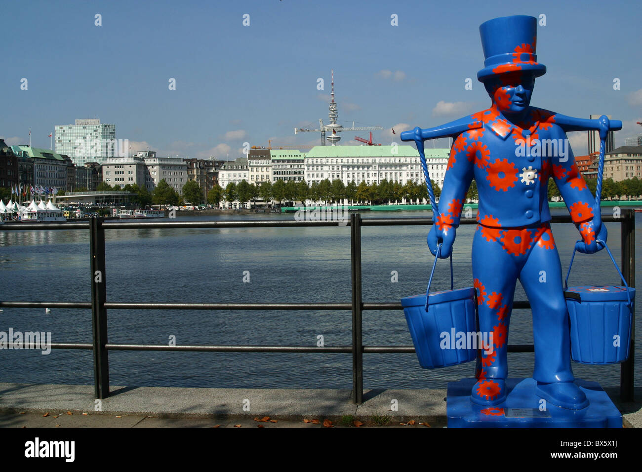 advertising for Hamburg: Sculpture of Hans Hummel, a water carrier - Stock Image