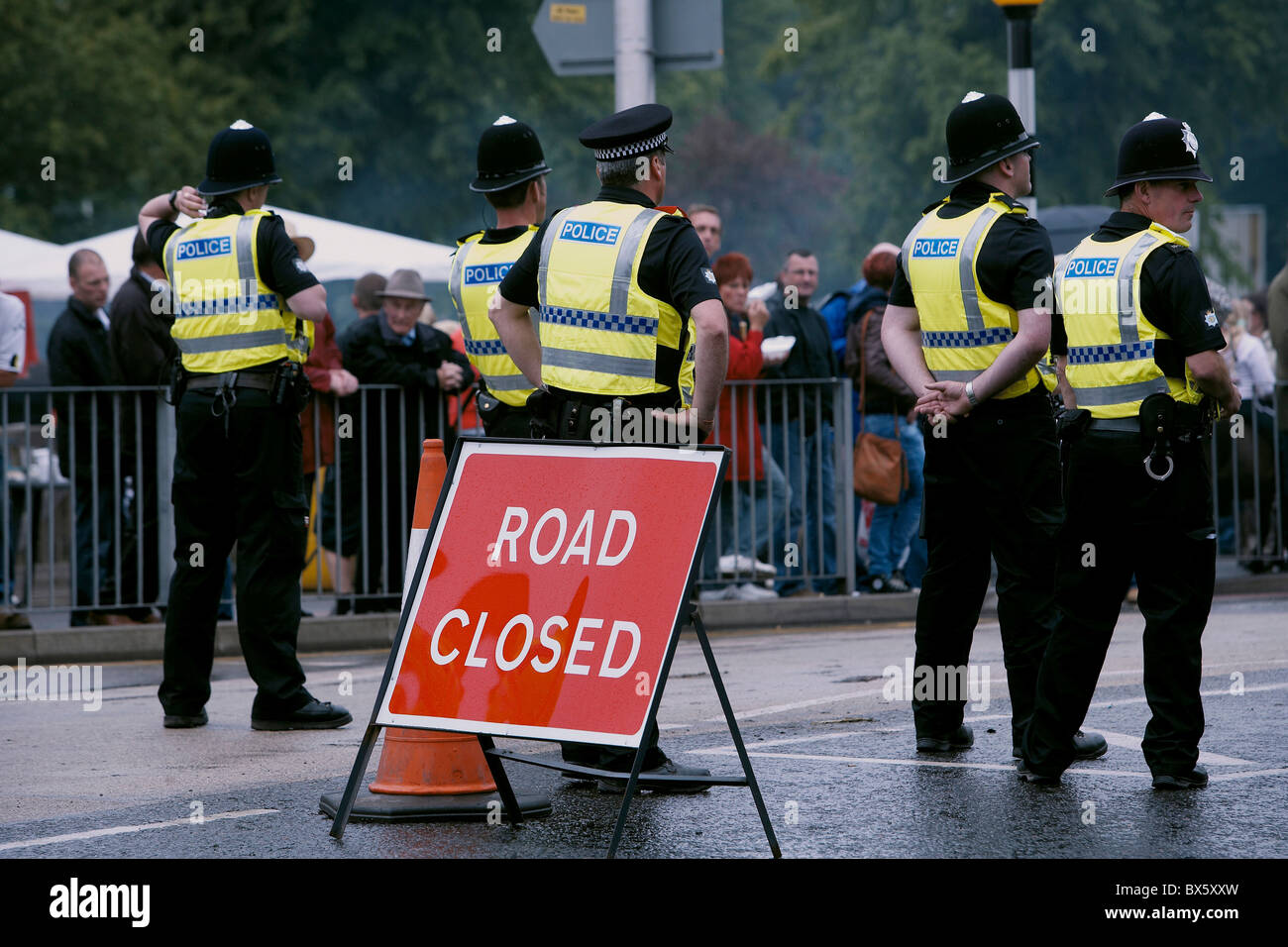 Police line cordon block the main street in Appleby, Cumbria, uk - Stock Image