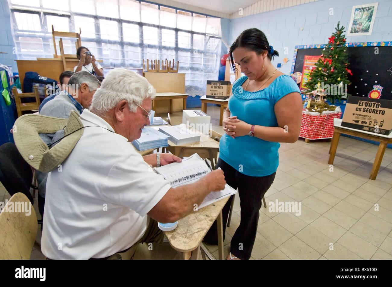 Female voter Municipal elections Costa Rica - Stock Image