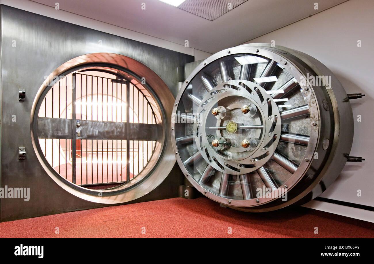 Strongroom bank vault safe door treasury & Strongroom bank vault safe door treasury Stock Photo: 33328129 ...