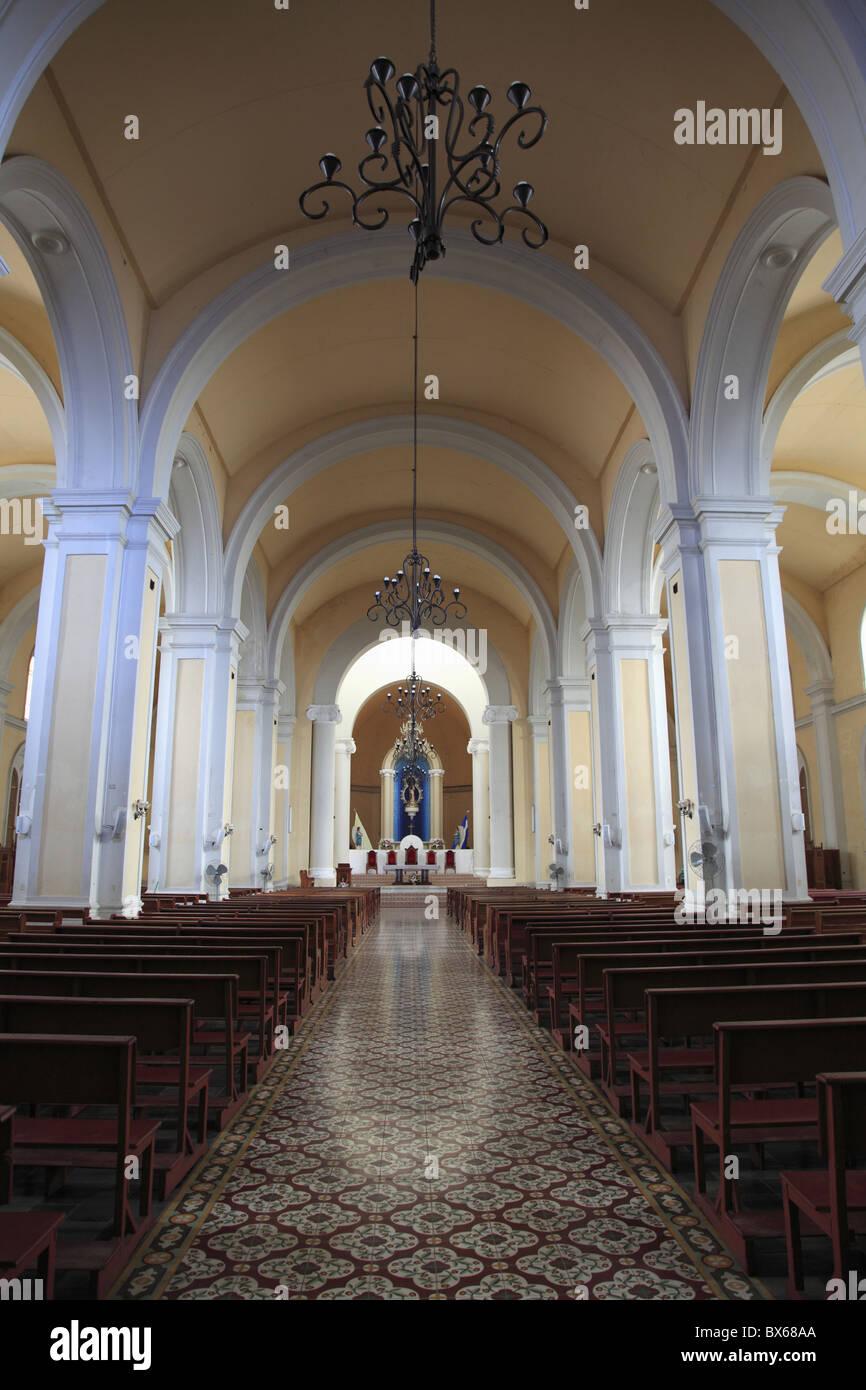 Interior, Cathedral de Granada, Park Colon, Park Central, Granada, Nicaragua, Central America - Stock Image