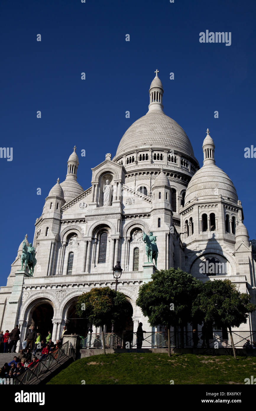 The Basilica of the Sacred Heart of Jesus of Paris on the hill of Montmartre, Paris, France, Europe - Stock Image