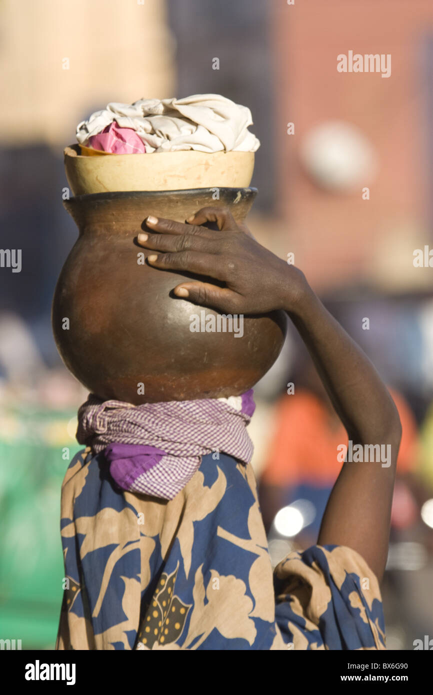 Vendors in the market, Ouagadougou, Burkina Faso, West Africa, Africa - Stock Image