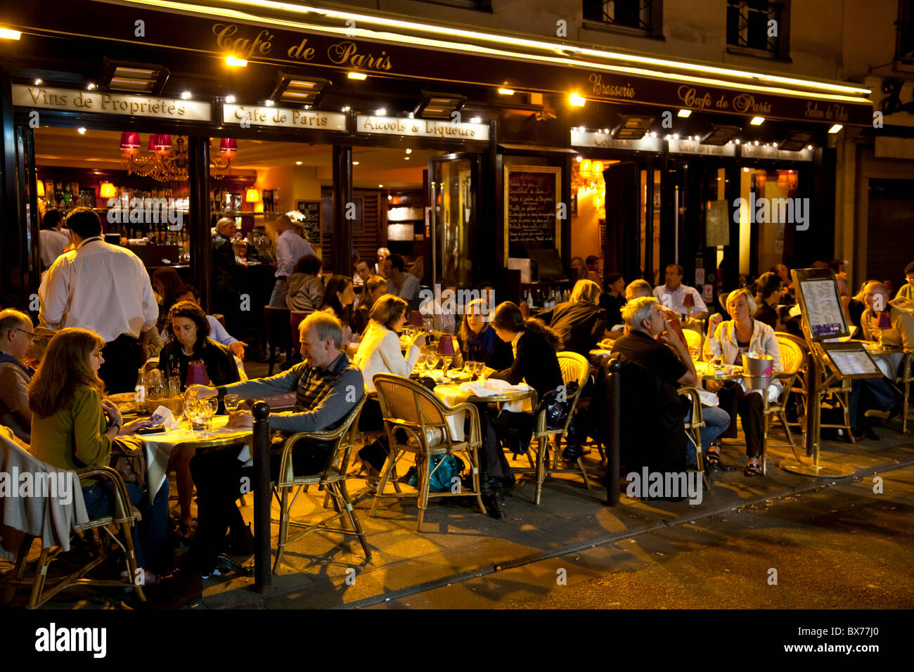 People dining at night, Left Bank, Paris, France, Europe - Stock Image