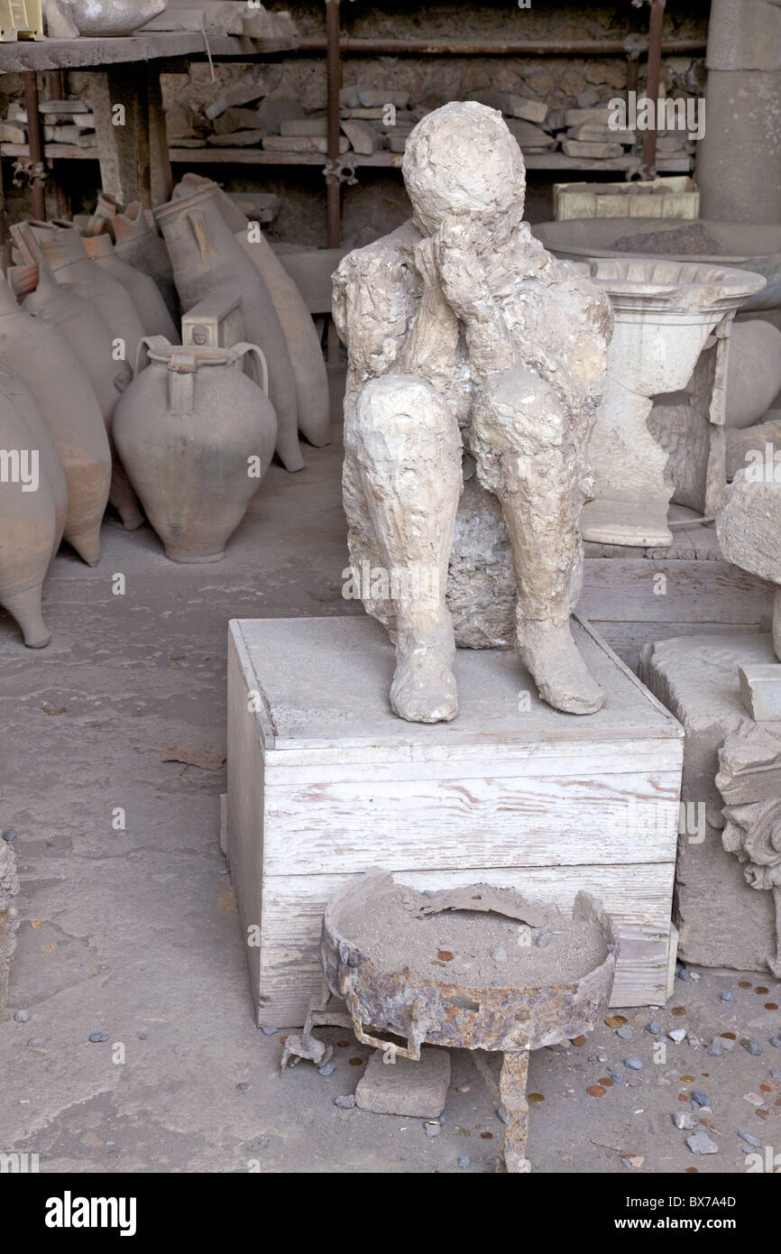 Horrea or Granai del Foro housing archaeological relics including plaster cast of victim of Vesuvius eruption, Pompeii, - Stock Image