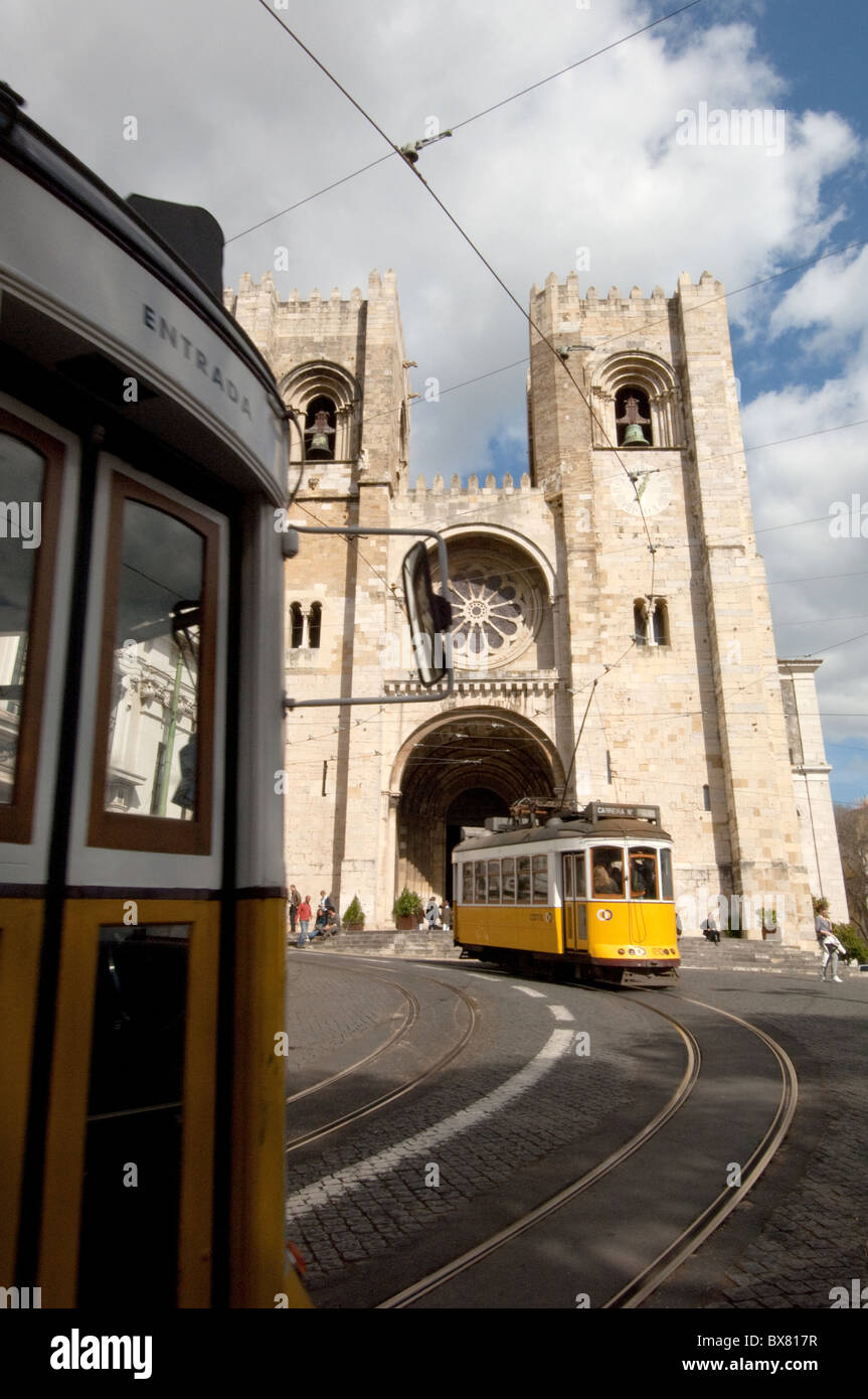 Tram 28 and Sé Cathedral Lisbon Portugal - Stock Image