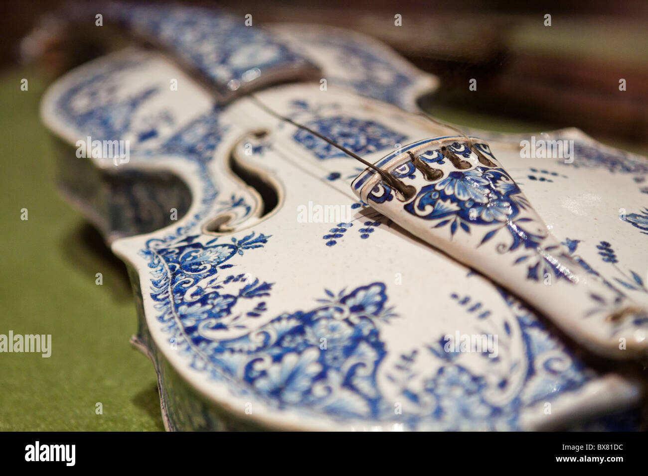 earthenware violin, 1867 - Stock Image