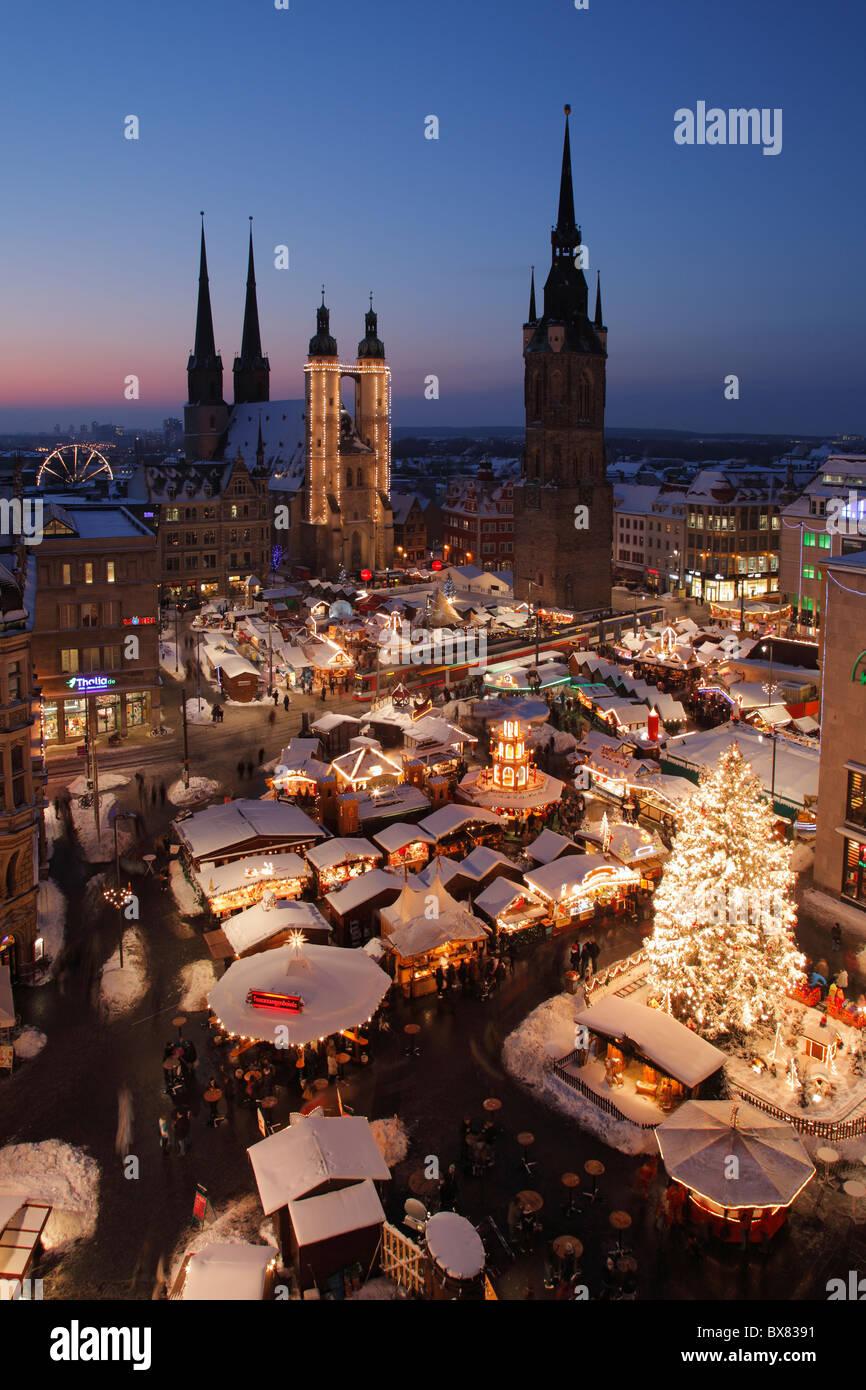 Christmas market in Halle (Saale), Germany;  Weihnachtsmarkt 2010 in Halle - Stock Image