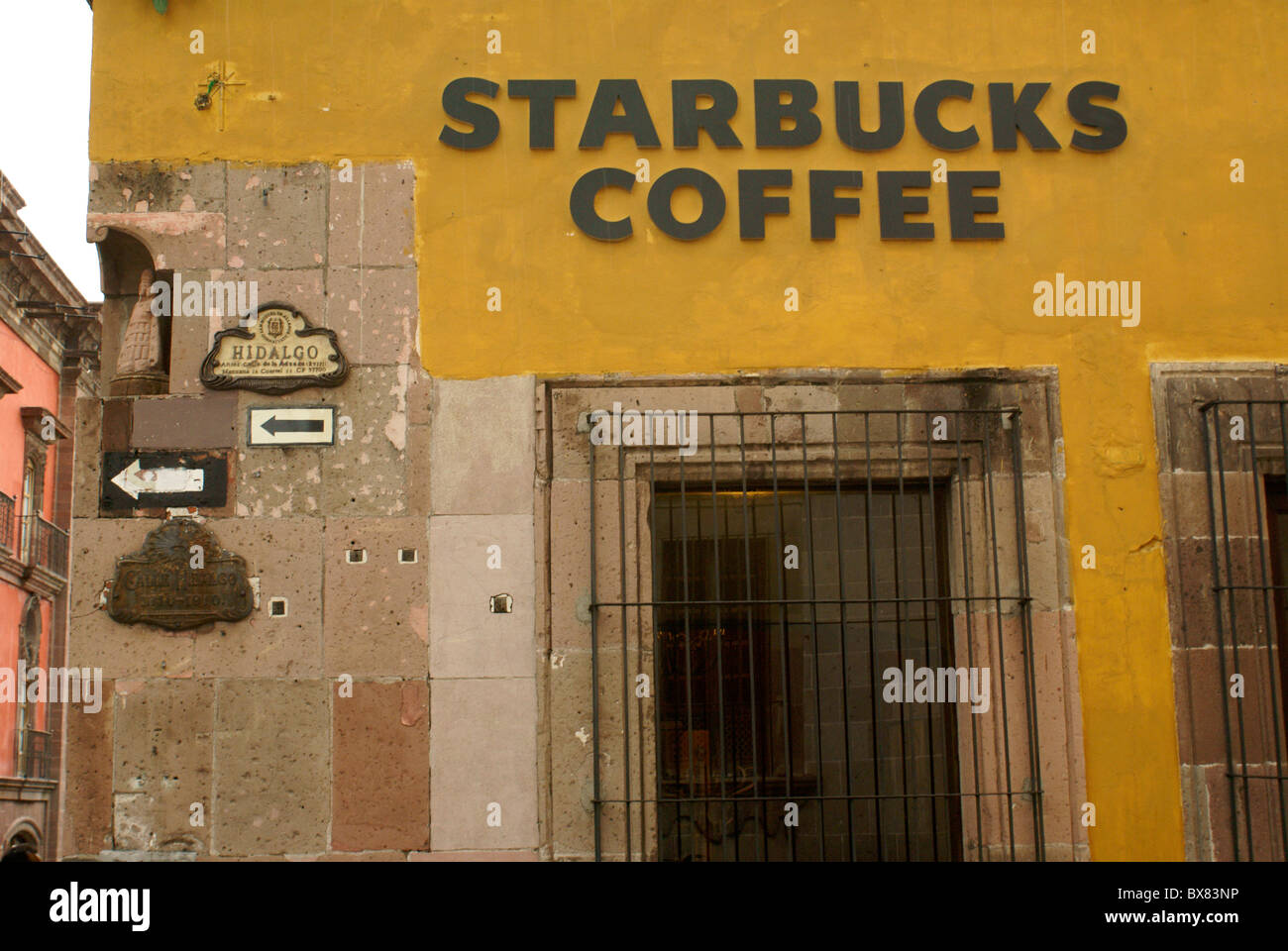 Starbucks Coffee shop in San Miguel de Allende, Mexico. San Miguel de Allende is a UNESCO World Heritage Site. - Stock Image