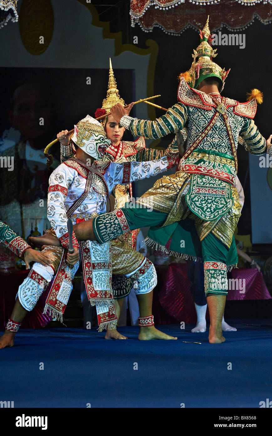 Thailand dancer on stage in a traditional Khon dance performance. Thailand S. E. Asia - Stock Image