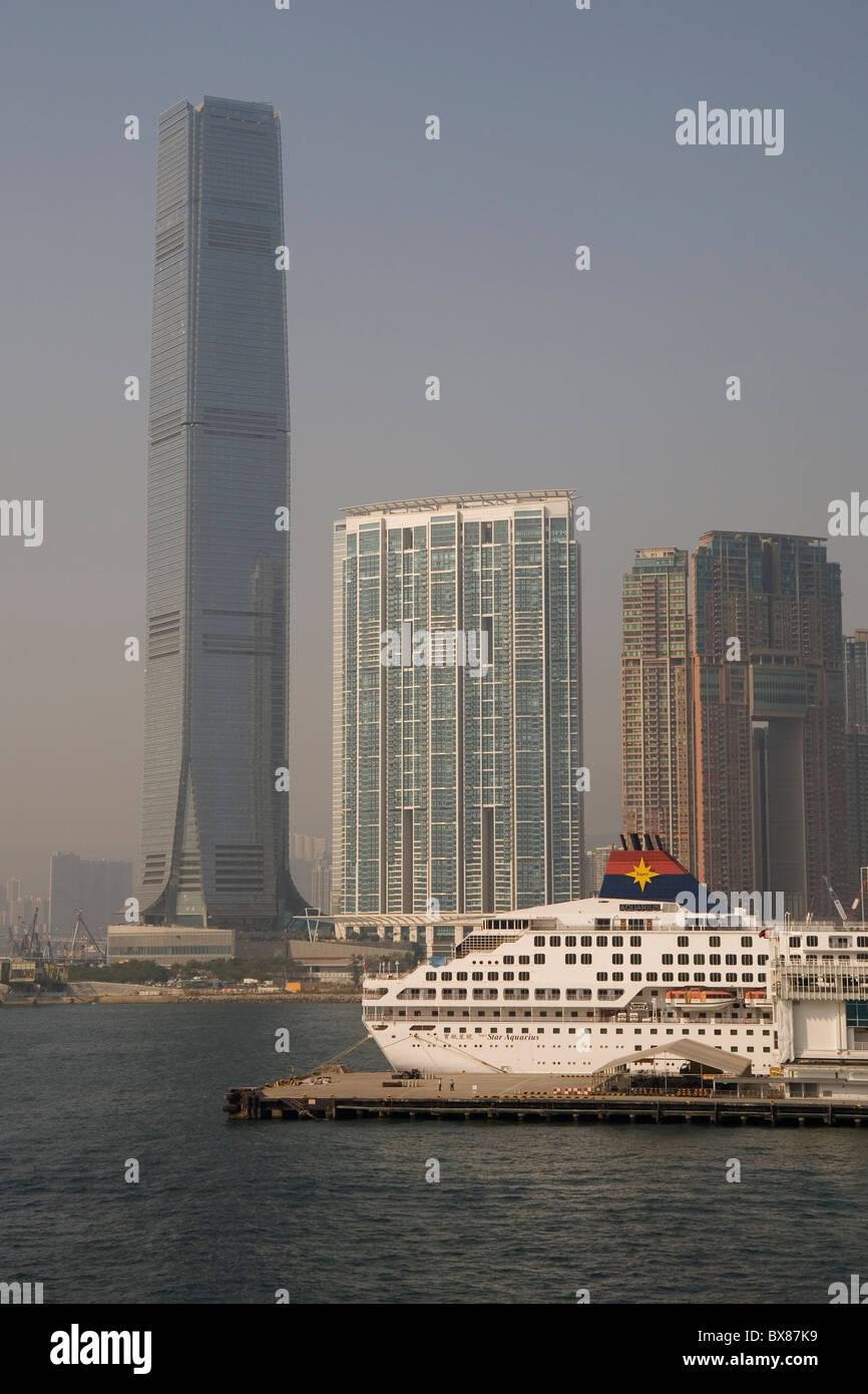 China Hong Kong, Kowloon, Ocean terminal & ICC Tower - Stock Image