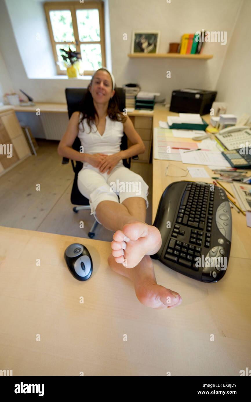 8 Foot Computer Desk
