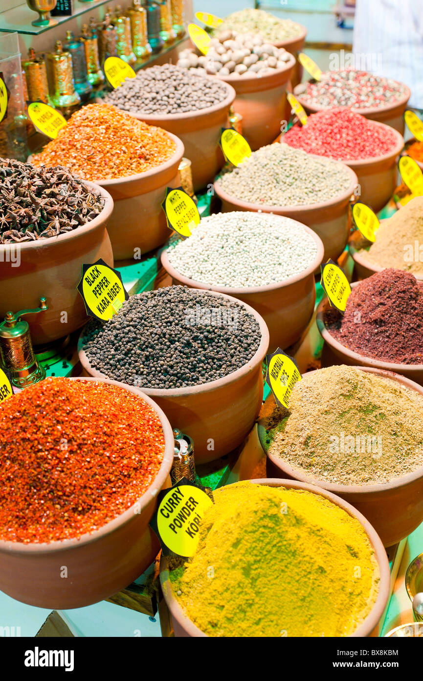 Spices on sale at the Misir Carsisi bazaar Istanbul Turkey - Stock Image
